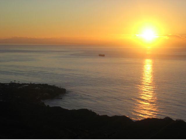 ハワイの天国の海のサンライズツアー