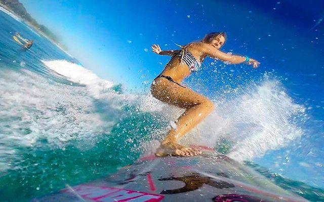 サーフィン用の時計をしている女性