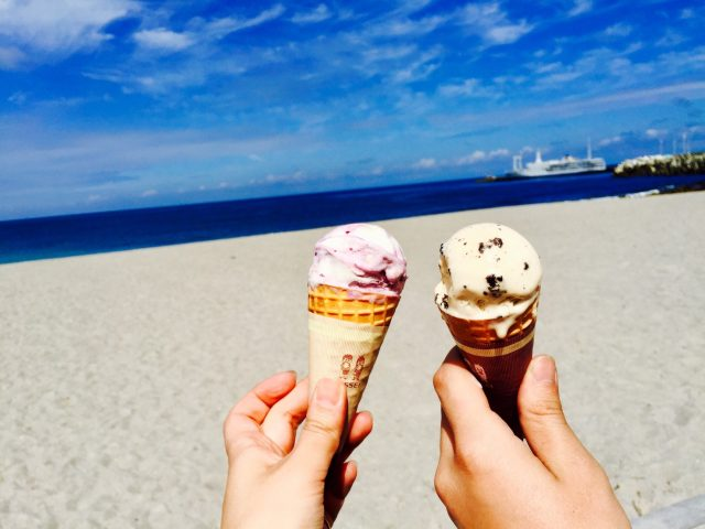 神津島の海とアイス
