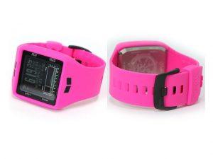 サーフィン用のピンクの時計