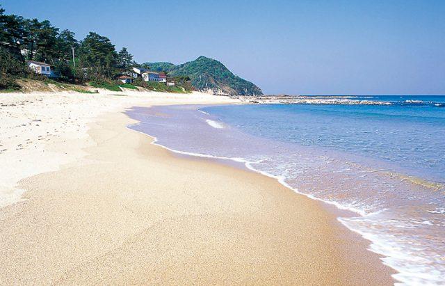 関西の掛津海水浴場(琴引浜)