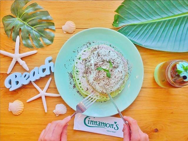 ハワイのシナモンズレストランのパンケーキ