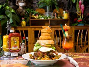ハワイの大きいハンバーガー