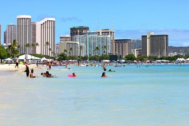 ハワイの服装は夏っぽく