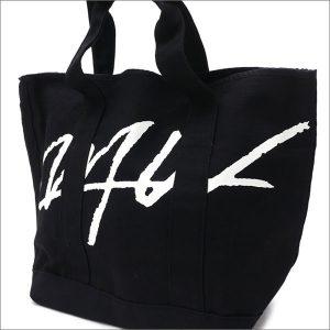 WTWのブラックロゴトートバッグ