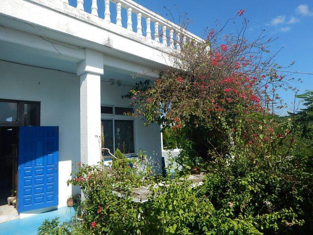 与論島の観光スポットの海カフェはかわいい