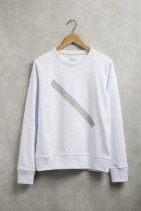 サーフブランドのスウェットTシャツ