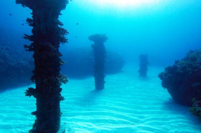 与論島の観光スポットで有名な海中宮殿