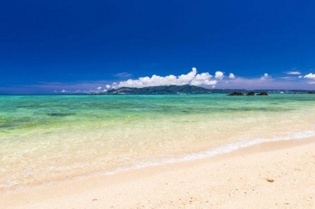 沖縄の冬の海