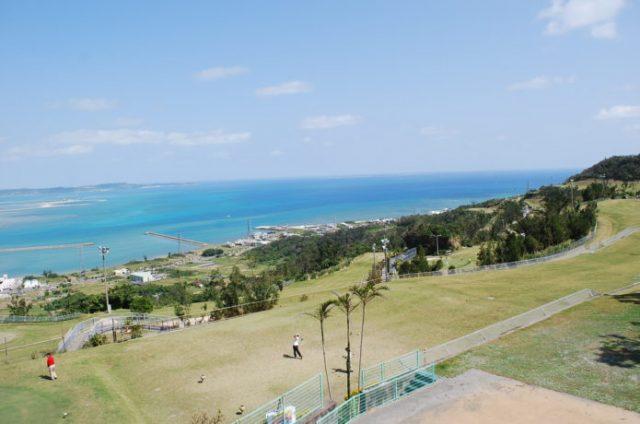 沖縄の冬はゴルフが人気