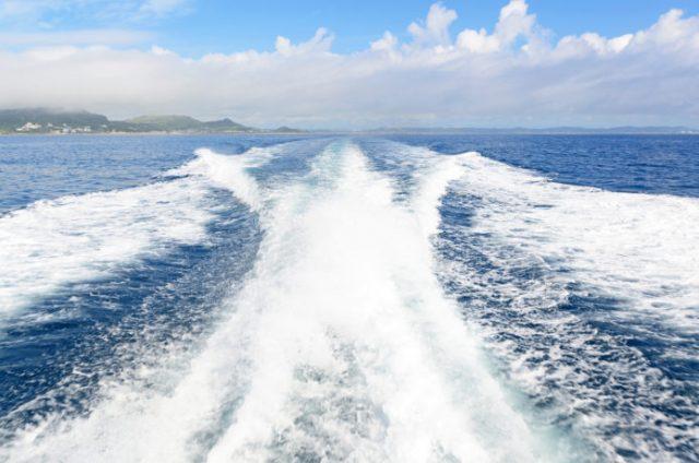 与論島の行き方であるフェリーからの眺め