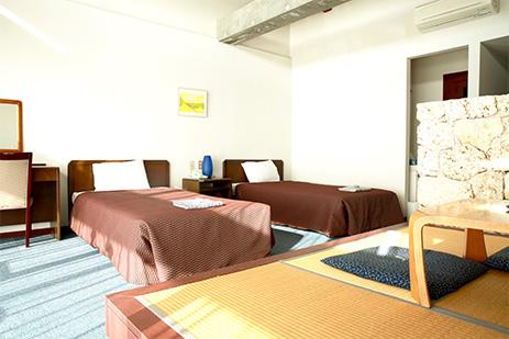 与論島のホテルの部屋