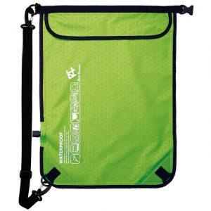 リーフツアラーの防水バッグ