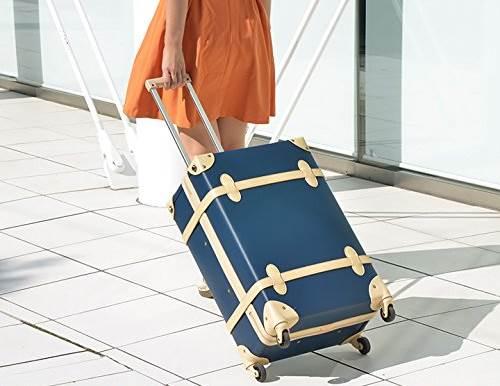 ヴィンテージ風のおしゃれスーツケース