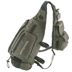 パタゴニアの使いやすいショルダーバッグ
