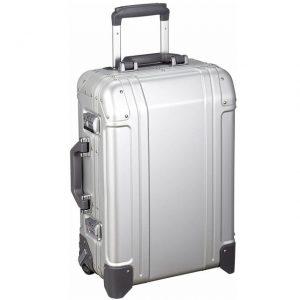 アルミ系のおしゃれでシンプルなスーツケース