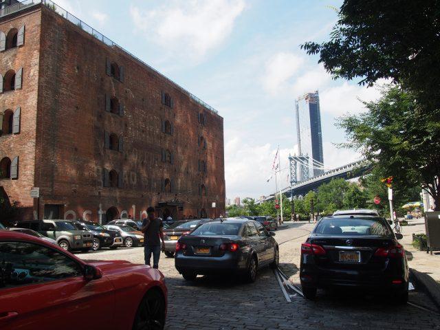 ブルックリンのダンボにあるエンパイアストアーズ