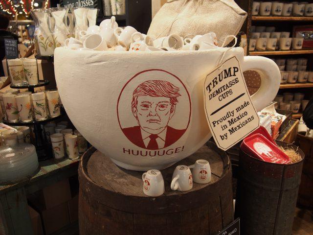フィッシュズエディのトランプのマグカップ