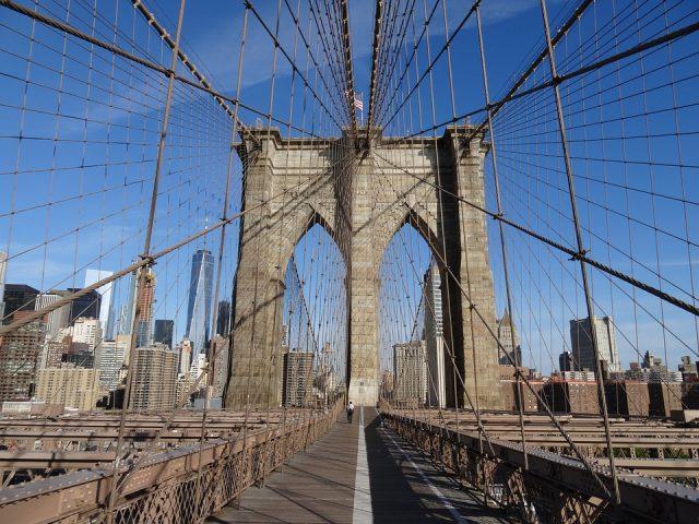 ニューヨークの観光スポットで人気なブルックリンブリッジ