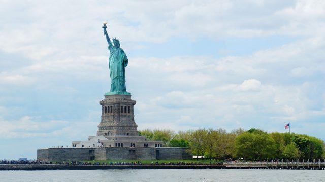 ニューヨークの観光スポットで有名な自由の女神