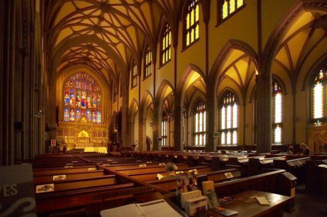 ニューヨークで観光スポットになっている教会の中