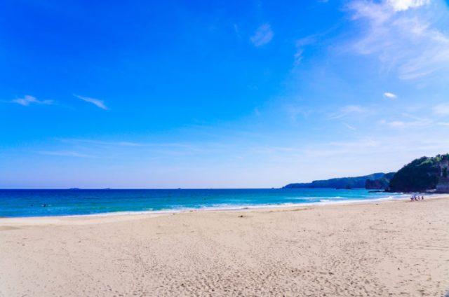 下田の綺麗な多々戸浜海水浴場