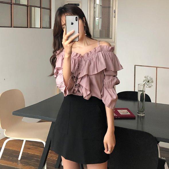 ガーリーな韓国ファッション通販のエンビールック
