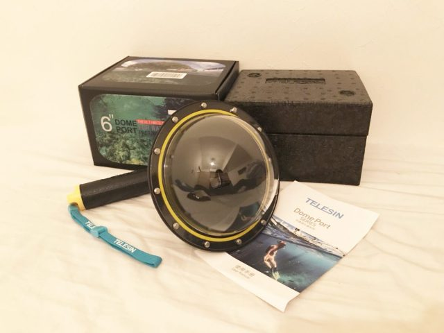 水中と陸上を撮影できるドームポート