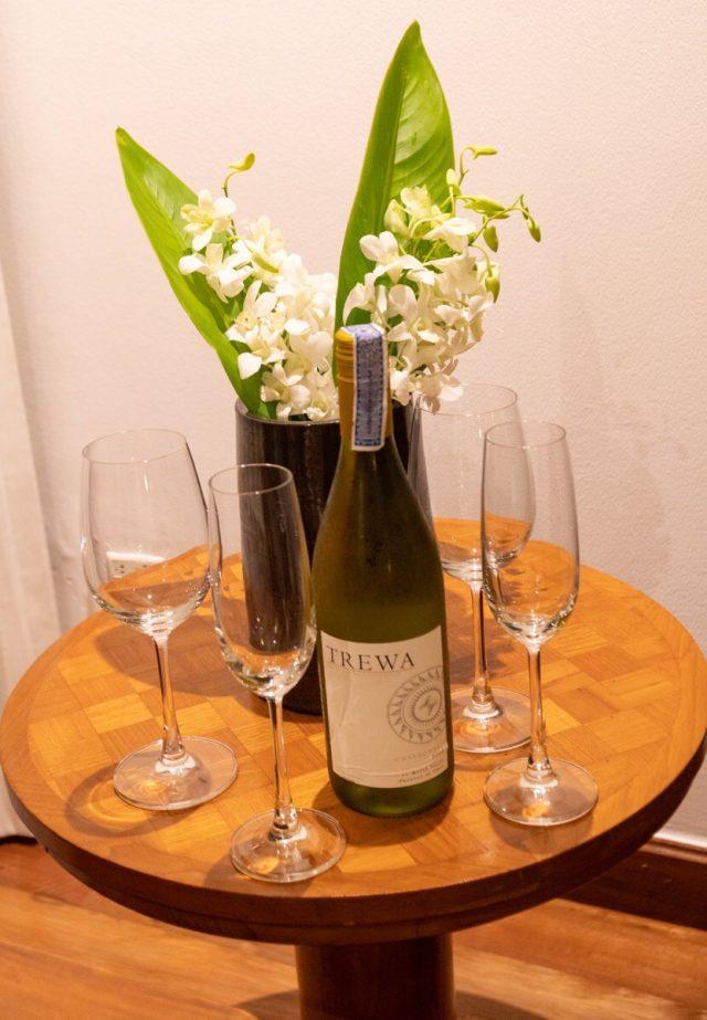 サロジンの部屋にあるワイン