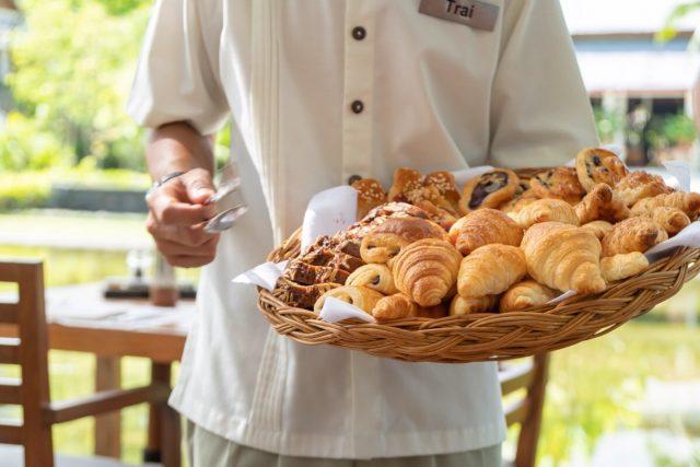 サロジンの朝食のパン