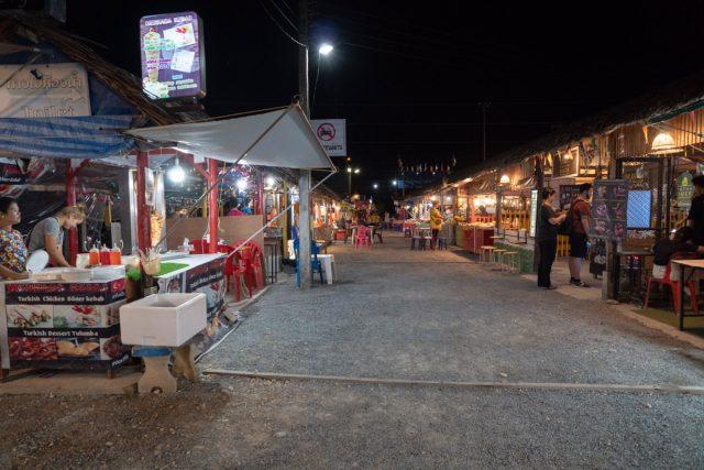 カオラックで観光すべきナイトマーケット