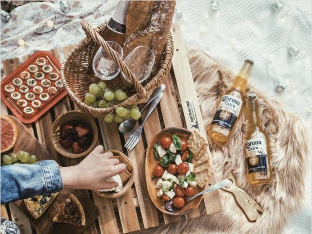 ピクニックの持ち物に必要な飲み物