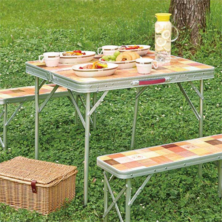 ピクニックテーブルでおしゃれなコールマン